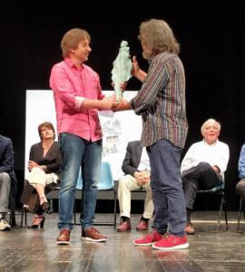 """Massimo Facheris consegna il Premio Mondo Cinema a """"The Boat"""""""